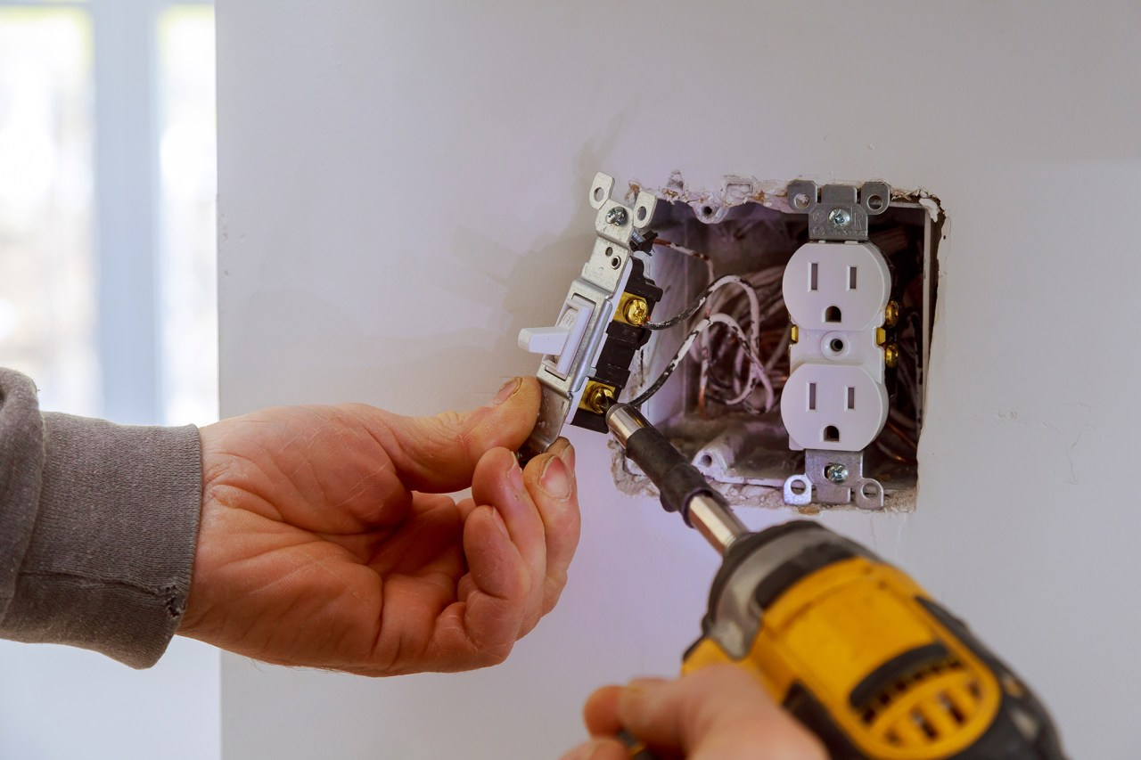 Installing electrical outlets Fairfax virginia